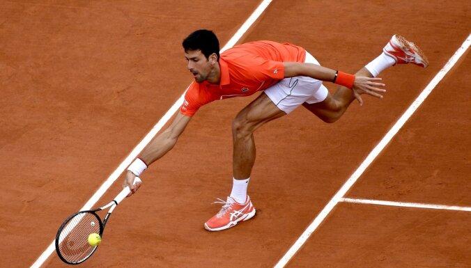 Džokovičs – pirmais tenisists, kurš 10 reizes pēc kārtas iekļuvis 'French Open' ceturtdaļfinālā
