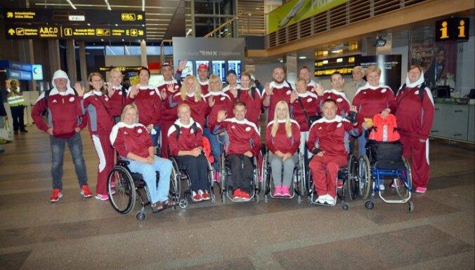 ФОТО: Латвийские паралимпийцы отправились на Игры в Рио
