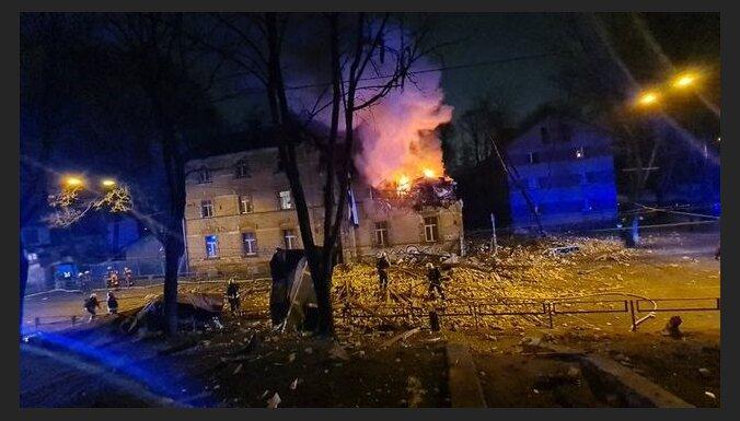 Взрыв дома в Агенскалнсе: улица перекрыта, изменена схема движения автобусов