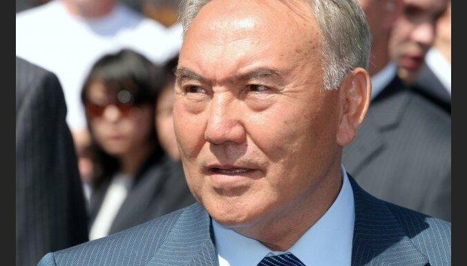 Kazahstānas prezidents aicina pasaules sabiedrību parakstīt elektronisko petīciju par kodolizmēģinājumu aizliegšanu