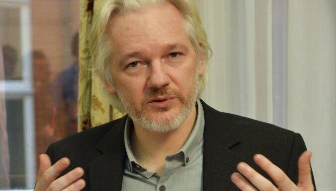 Ассанж призвал Швецию и Великобританию вернуть ему свободу