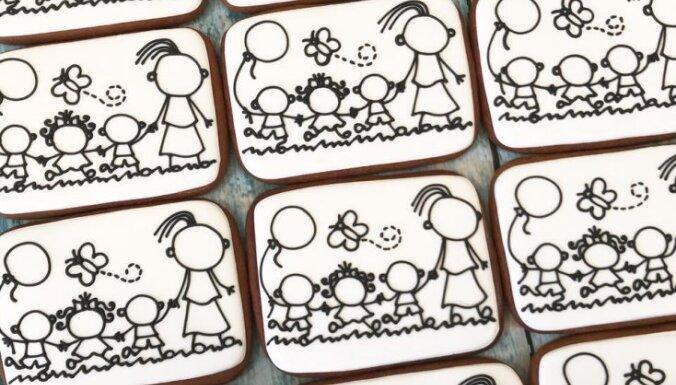 День учителя: рисуем съедобную открытку на медовом прянике