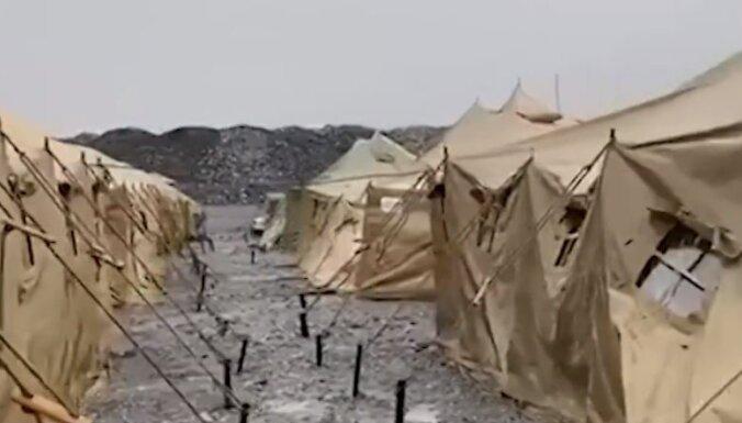 Covid-19: Krasnojarskā simtiem zeltraču ārstē teltīs lauka apstākļos