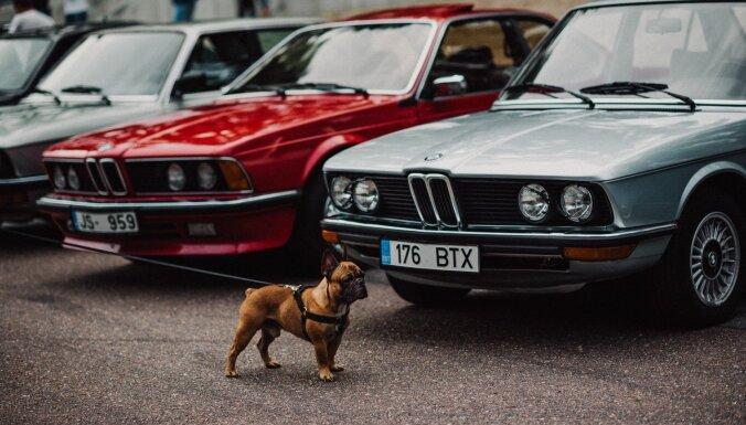 Svētdien pie Rīgas Motormuzeja pulcēsies 'youngtimer' klasiskie auto