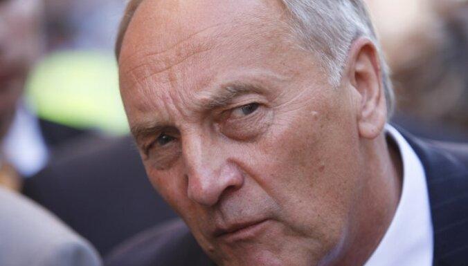 Портал: Андрис Берзиньш тайно платит алименты