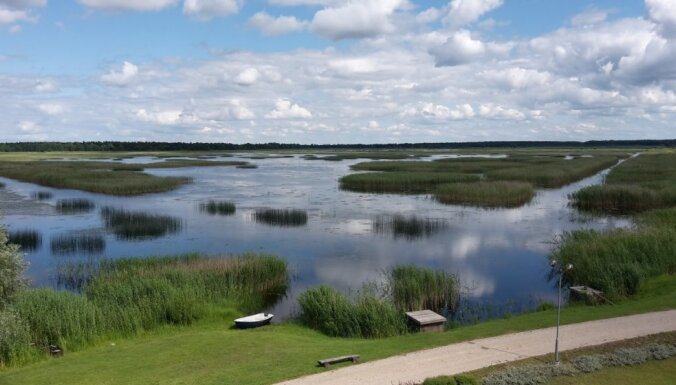 В некоторых латвийских водоемах вода прогрелась до +21 градуса