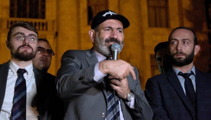 Armēnijas premjers atlaidis sešus ministrus
