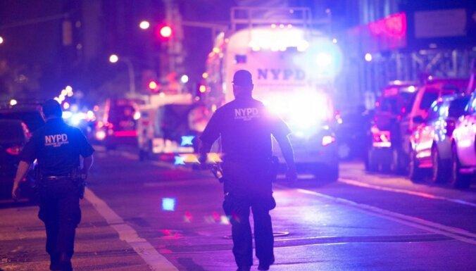 Ņujorkā vīrietis nozog mediķu mašīnu un nogalina darbinieci