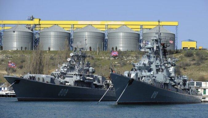 Krievija Melnās jūras reģionā veic karaflotes un zenītraķešu vienību manevrus