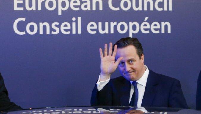 ES amatpersona: Kamerons bloka samitā nelūgs sākt 'Brexit' procesu