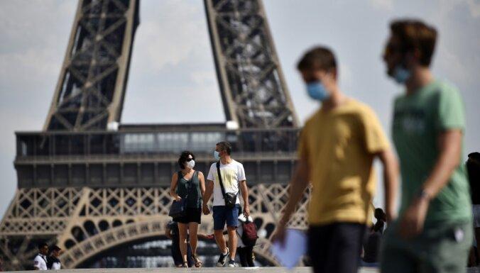 ВИДЕО: Президент и премьер Франции выпили кофе на террасе по случаю снятия ограничений