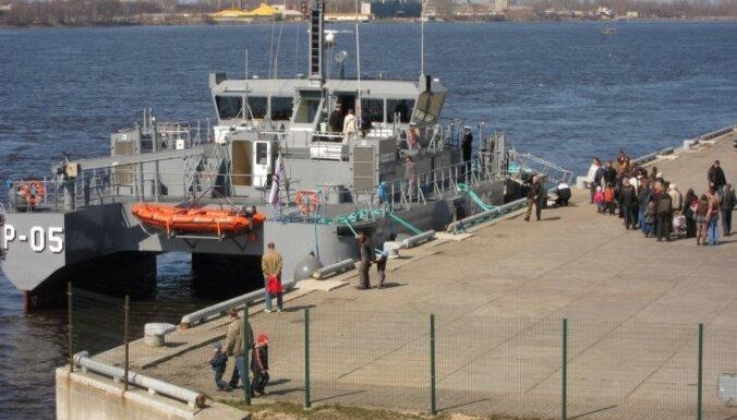 Очевидец: Как я по новому патрульному катеру ВМС Латвии гулял