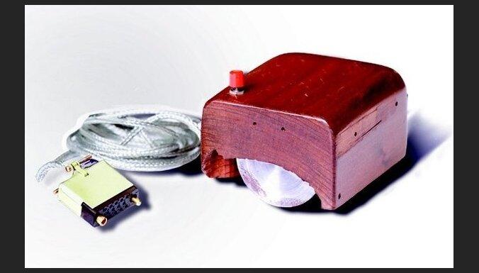 17. novembris vēsturē: Patentēta pirmā datorpele