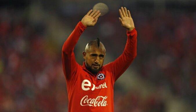 'Barcelona' vienojas ar 'Bayern' par Vidala pāreju