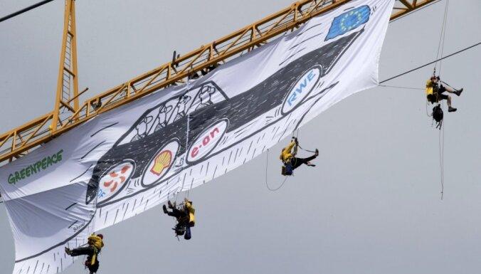 'Greenpeace' protestē pret Eiropas atkarību no Krievijas gāzes