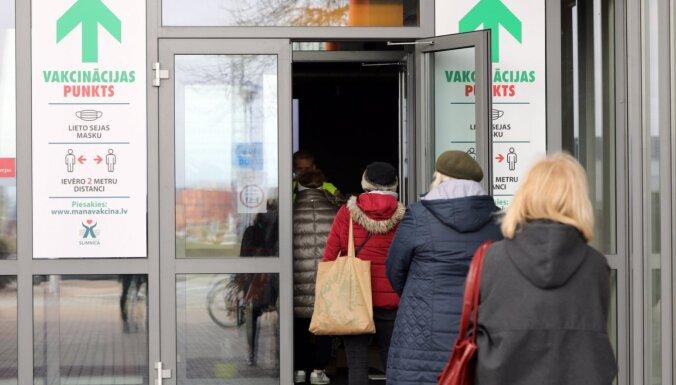 На прививку от Covid-19 записалось более 65 000 латвийцев в возрасте от 60 до 70 лет