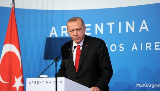 Экономический кризис в Турции бьет по популярности Эрдогана