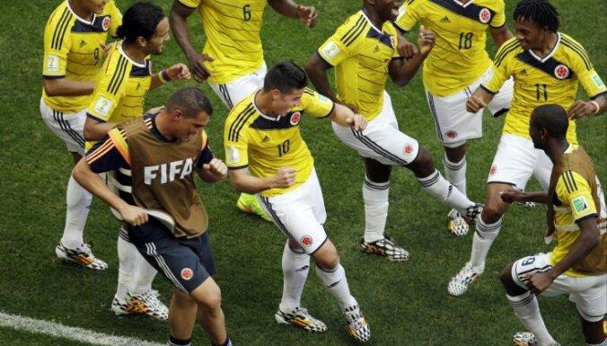 Колумбийцы практически оформили выход в плей-офф