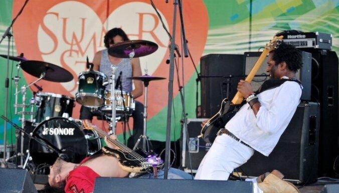 Fotoreportāža: Mūziķi ieskandina 'Origo Summer Stage'