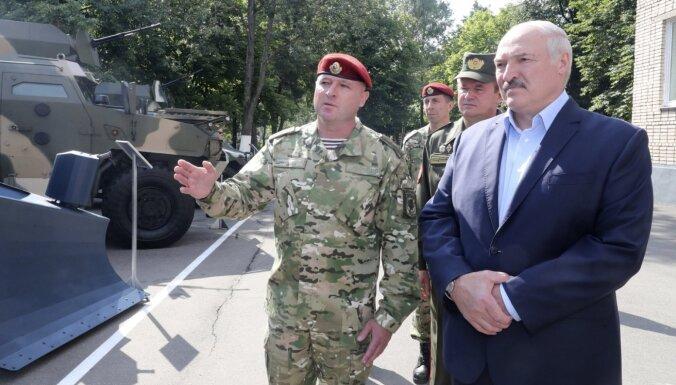 Lukašenko paziņo par vēl vienu ārzemju kaujinieku vienību valstī