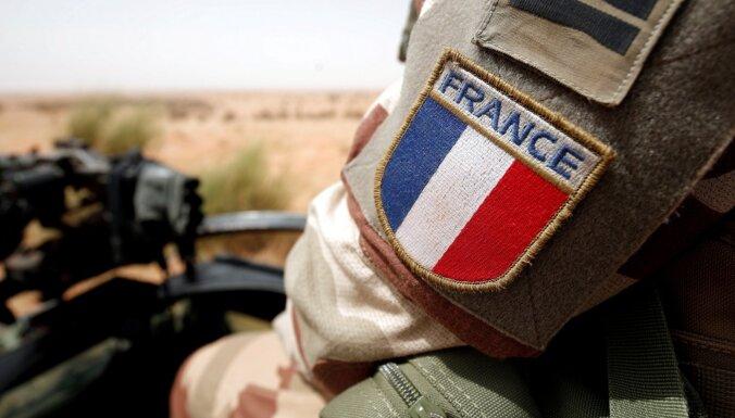 Французам разрешили выходить на улицу только с объяснительными записками
