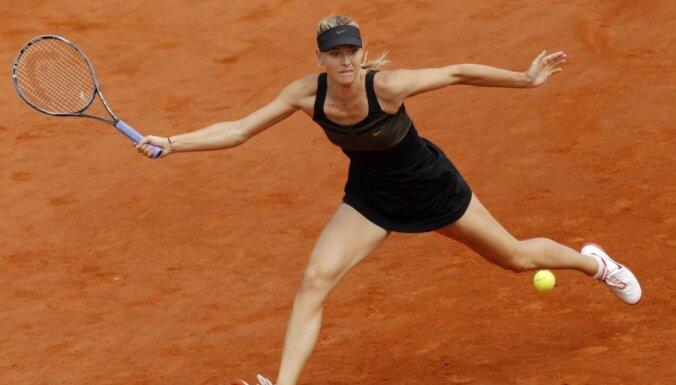 Šarapova pirmo reizi triumfē 'French open'