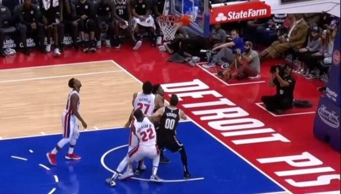 Kurucs NBA pārbaudes spēlē veiksmīgi aizvada sev atvēlētās minūtes