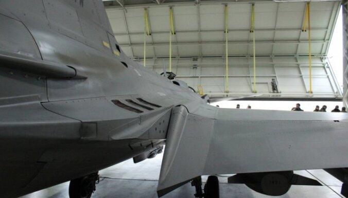 Kā ungāri ar 'zemo izmaksu' ziemeļnieku JAS 39 uzrauga Baltijas valstu debesis