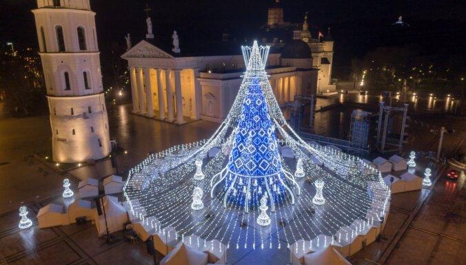 Eiropas skaistākās Ziemassvētku eglītes laurus plūc Viļņas svētku rota