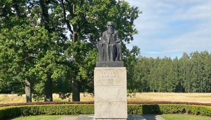 Siguldā izveidots pastaigu maršruts, atzīmējot Krišjāņa Barona 185. dzimšanas dienu