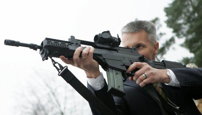 Министр обороны: прямой военной угрозы для Латвии на данный момент нет