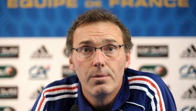 Cборная Франции осталась без главного тренера