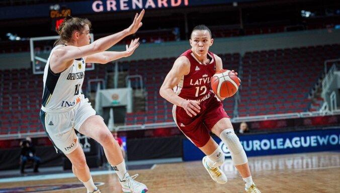 Latvijas basketbolistes pēc skaistas uzvaras tomēr netiek uz EČ finālturnīru