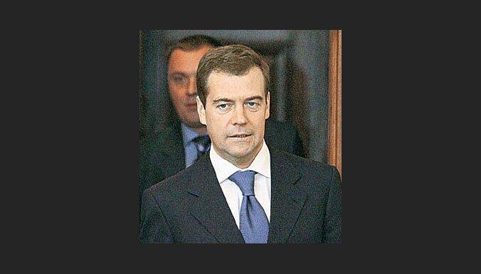 Medvedevs brīdina par attiecību pārtraukšanu ar NATO