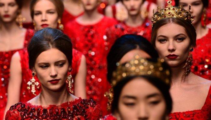Золото и фрески католического собора на показе Dolce & Gabbana