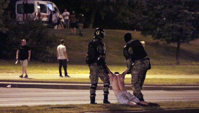 Правозащитники: во время акций протеста в Беларуси задержано не менее 130 человек