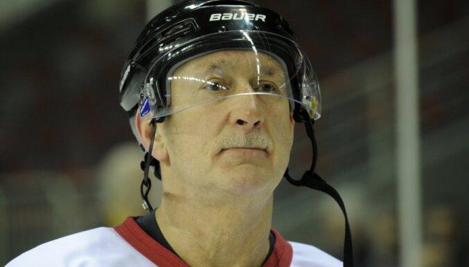 Балдерис сыграл за ветеранов России против Звезд мира