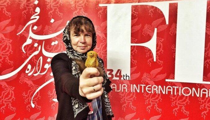 Cenzētā Pakalniņas 'Ausma' saņem balvu kinofestivālā Irānā