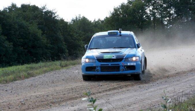 Valta Zvaigznes ekipāža izcīna trešo vietu klasē 'Rally Classic' rallijā Lietuvā