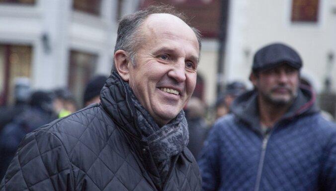 Miris pazīstamais sporta žurnālists Arturs Vaiders