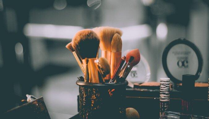 Убийственный макияж: какие бактерии прячутся в вашей косметичке