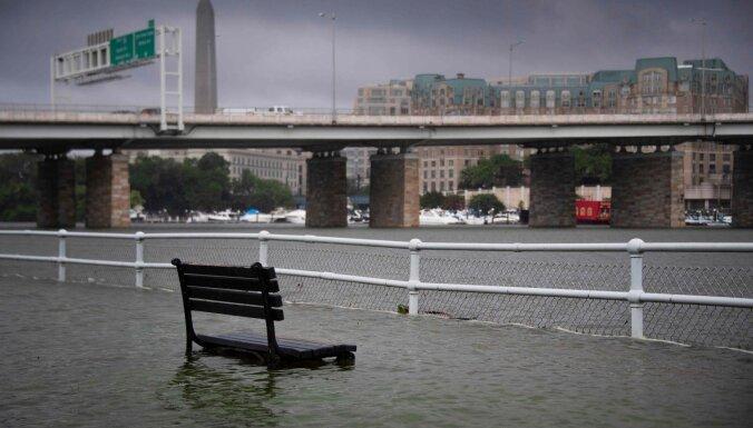 Plūdi Vašingtonā nesaudzē pat Baltā nama pagrabu