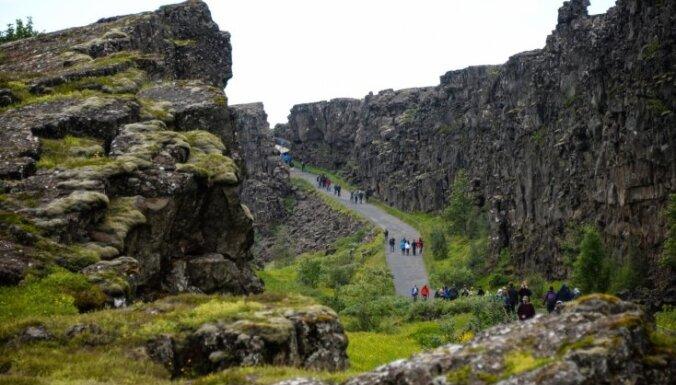 Islandē zosu mednieki atrod 10. gadsimta vikingu zobenu
