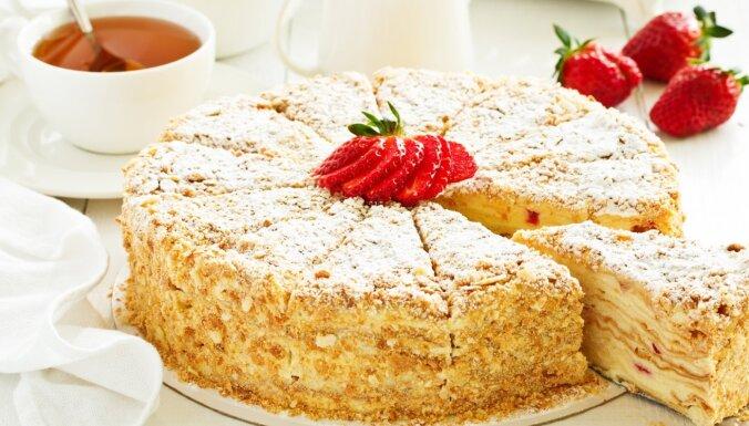 Svētku galda karalis 'Napoleons': 10 leģendārās kūkas receptes