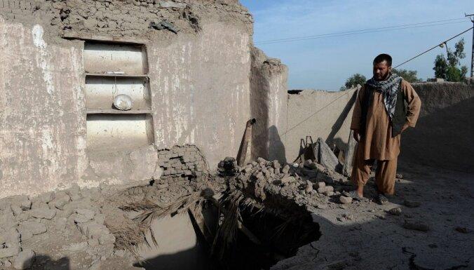 Afganistānu un Pakistānu satricinājusi 5,6 magnitūdas stipra zemestrīce
