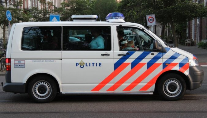 Нидерланды: 27-летний гражданин Латвии получил ножевое ранение в бедро