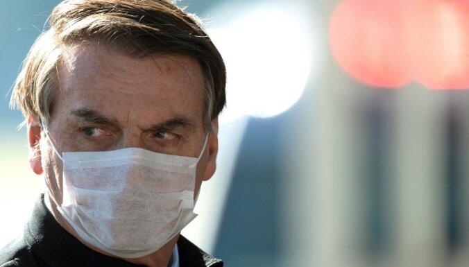 Covid-19: Pēc vairākām saslimšanas pazīmēm Bolsonaru ir veikts tests