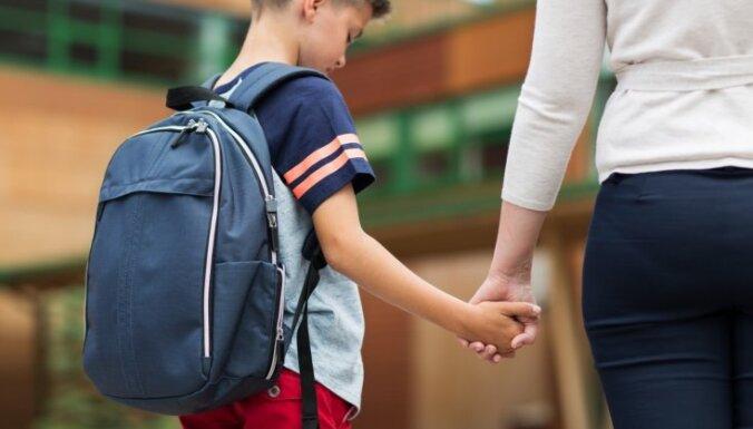 Speciālās izglītības iestādēs katru dienu būs rūpīgi jānovēro bērnu veselības stāvoklis
