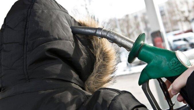 Акциз на дизельное топливо повысят на 10 центов за литр, акциз на бензин - на 7 центов