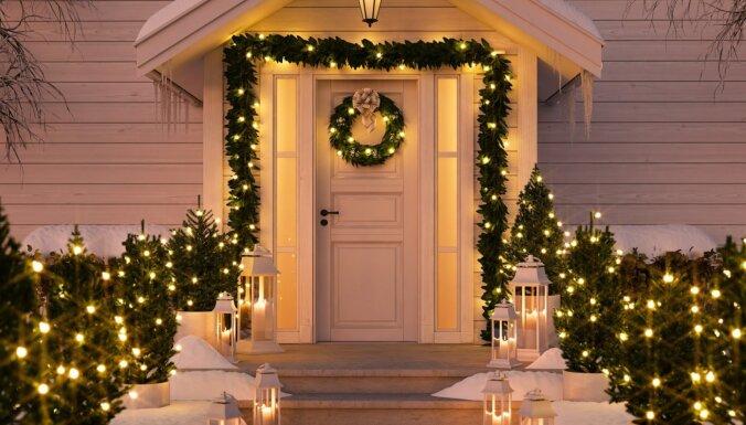ФОТО. 26 идей для новогодней подсветки дома и сада